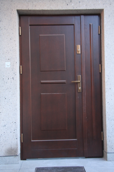 drzwi-zewnetrzne-drewniane-001