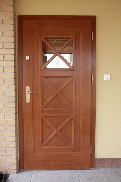 drzwi-zewnetrzne-drewniane-025