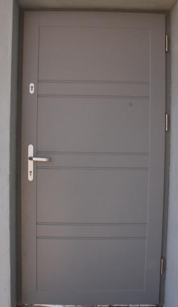 drzwi-zewnetrzne-drewniane-047