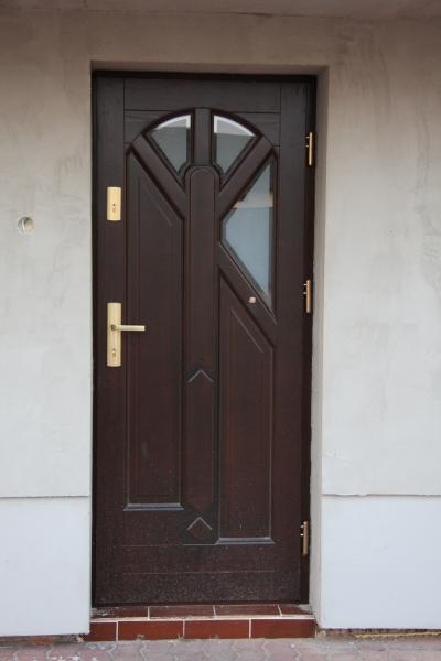 drzwi-zewnetrzne-drewniane-054