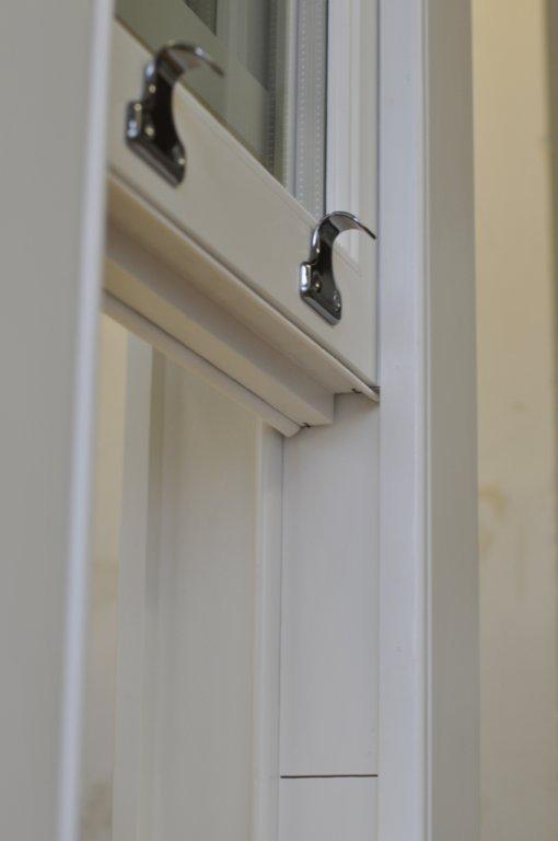 Okna angielskie sash windows z drewna, wysoka jakość,